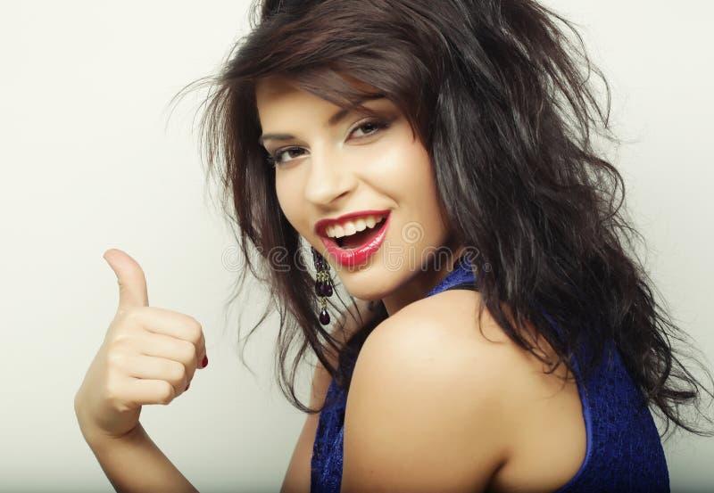 Download Mooie Vrouw Met Grote Gelukkige Glimlach Stock Foto - Afbeelding bestaande uit vers, mooi: 54092830