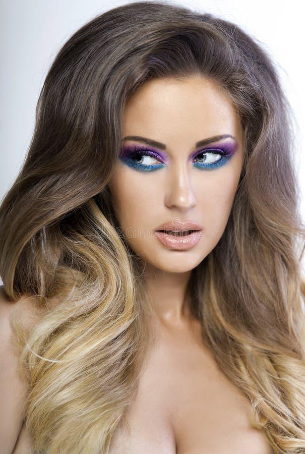 Mooie vrouw met kleurrijke make-up. royalty-vrije stock fotografie