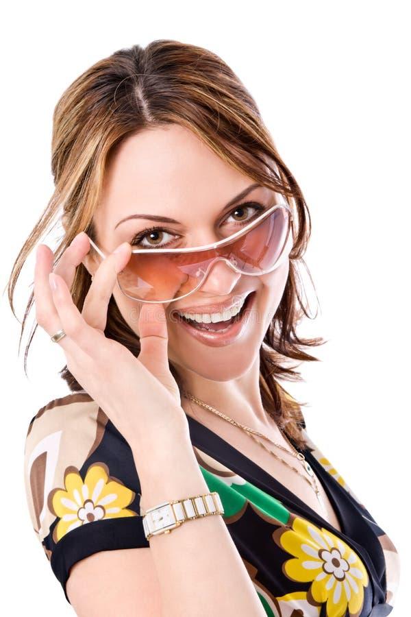 Mooie vrouw met zonnebril stock afbeelding