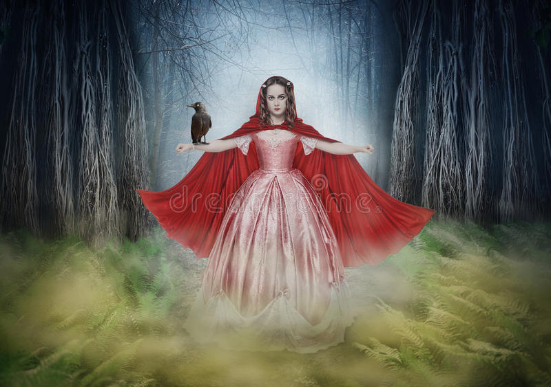 Mooie vrouw in middeleeuwse kleding met kraai in fantasiebos vector illustratie