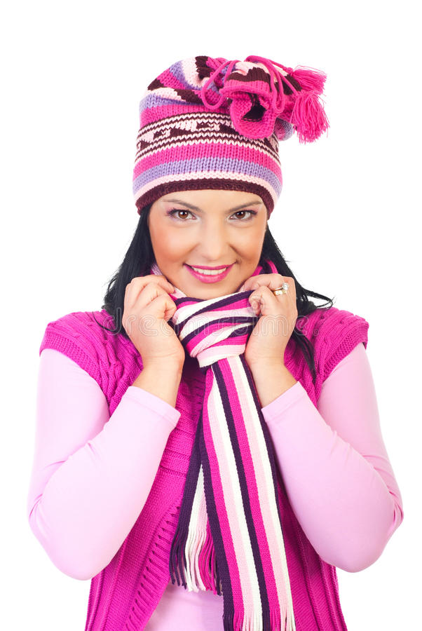 Mooie vrouw in roze wollen GLB en geluiddemper royalty-vrije stock foto