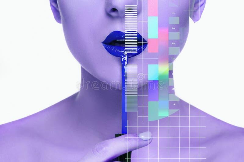 Mooie vrouwelijke lippen met samenstelling en borstel royalty-vrije stock afbeeldingen