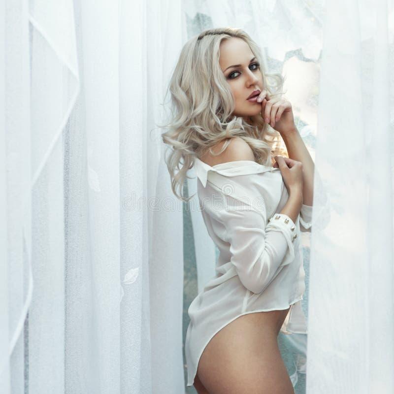 Download Mooie vrouwen stock foto. Afbeelding bestaande uit gezicht - 39108084