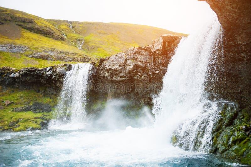 Mooie Waterval in IJsland stock afbeelding