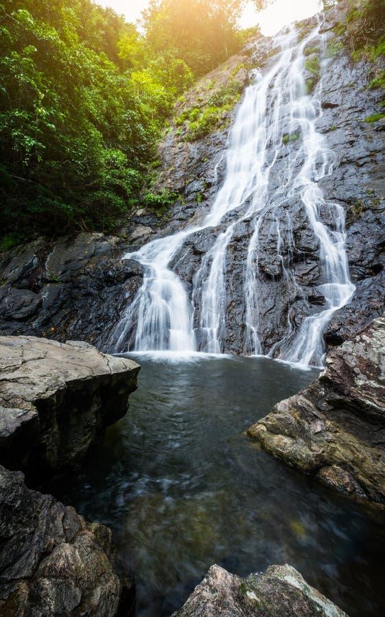 Mooie watervallen 'Sarika-Waterval 'in Nakhonnayok, Thailand royalty-vrije stock afbeelding