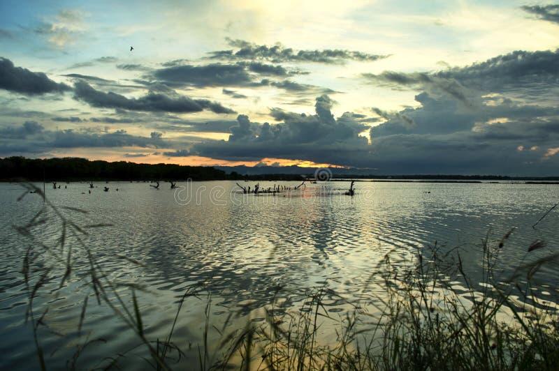 Mooie Wolken en Zonsondergang royalty-vrije stock foto