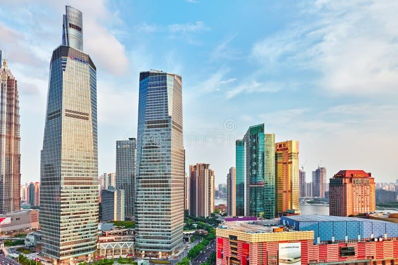 Mooie wolkenkrabbers, stad de bouw van Pudong royalty-vrije stock afbeelding