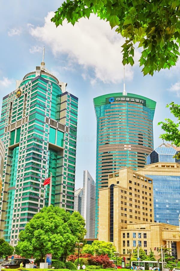 Mooie wolkenkrabbers, stad de bouw van Pudong stock afbeeldingen