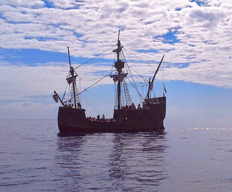 Mooie zeilboot in de open oceaan De Atlantische Oceaan, Madera, Portugal royalty-vrije stock fotografie