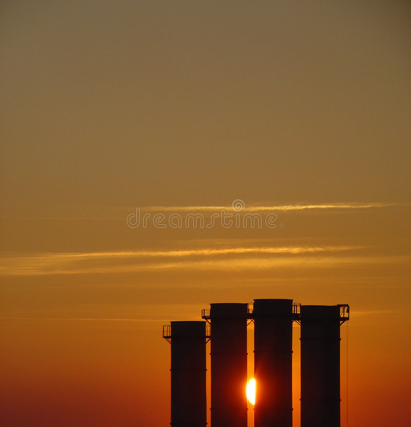 Download Mooie Zonsondergang stock foto. Afbeelding bestaande uit trechter - 48724