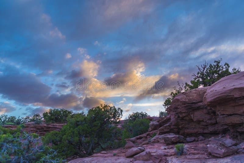 Mooie Zonsondergang dichtbij het Marlboro-Punt Canyonlands Utah royalty-vrije stock fotografie