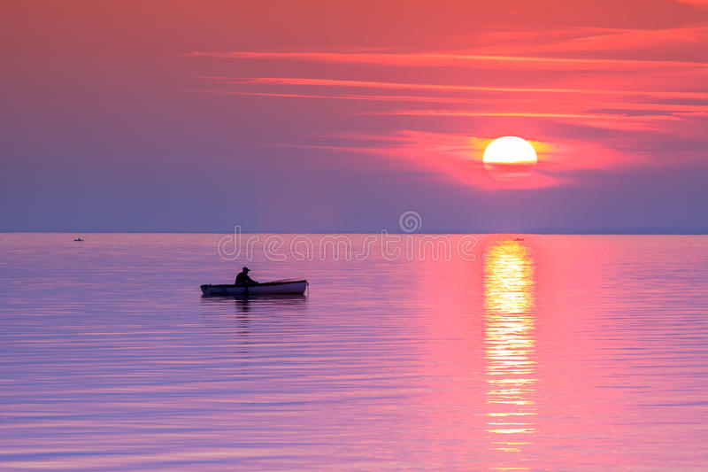 Mooie zonsondergang in meer Balaton royalty-vrije stock foto's
