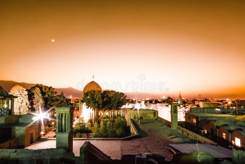 Mooie zonsondergang over cityscape van Kashan in Iran stock fotografie