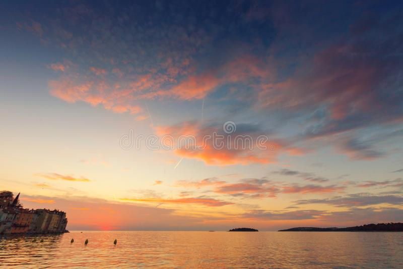 Mooie zonsondergang in Rovinj stock foto's