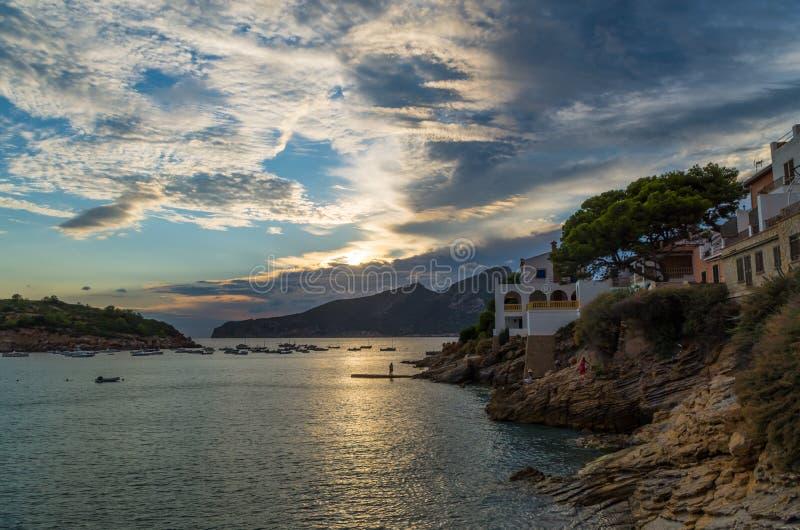 Mooie zonsondergang in Sant-Iep bij gr. 221, Mallorca, Spanje royalty-vrije stock foto