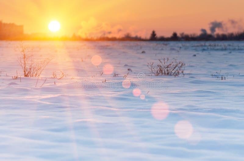 Mooie zonsopgang in de winter stock afbeelding