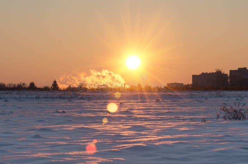Mooie zonsopgang in de winter royalty-vrije stock fotografie