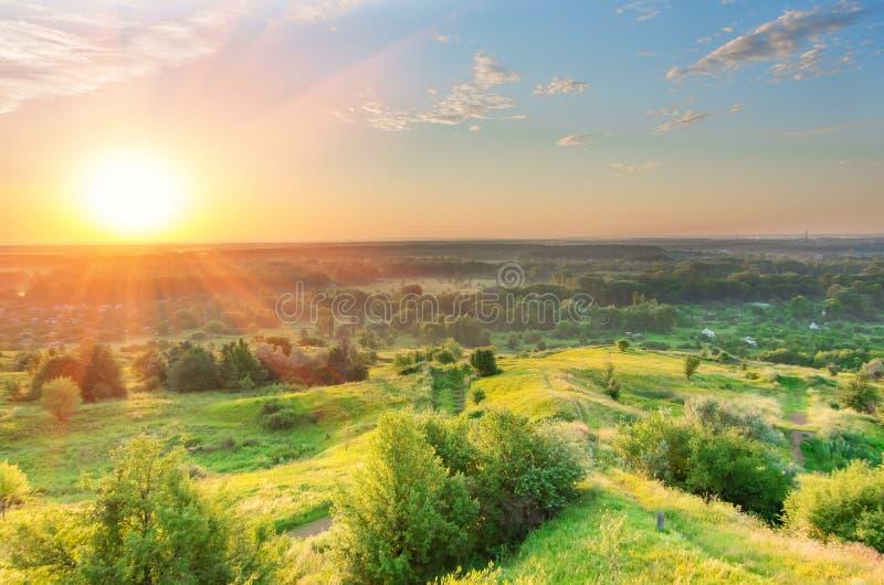 Mooie zonsopgang in de zomer stock afbeelding