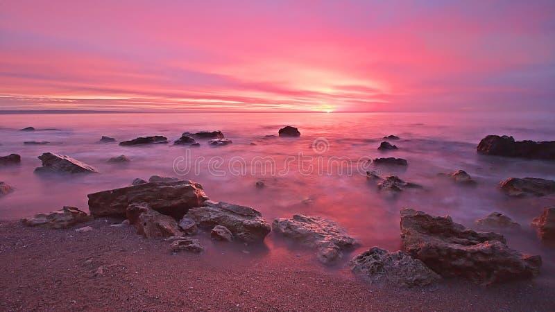 Mooie zonsopgang in stad Varna stock afbeeldingen
