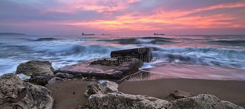 Mooie zonsopgang in stad Varna stock foto's