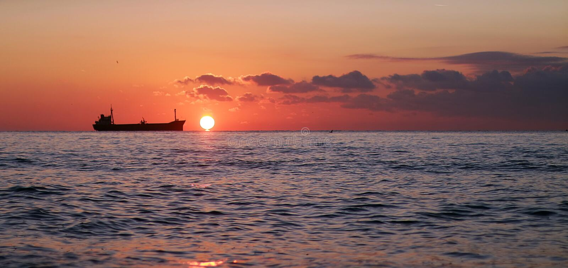 Mooie zonsopgang in stad Varna royalty-vrije stock afbeelding