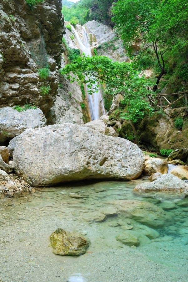 Mooie zuivere schone waterval stock afbeelding