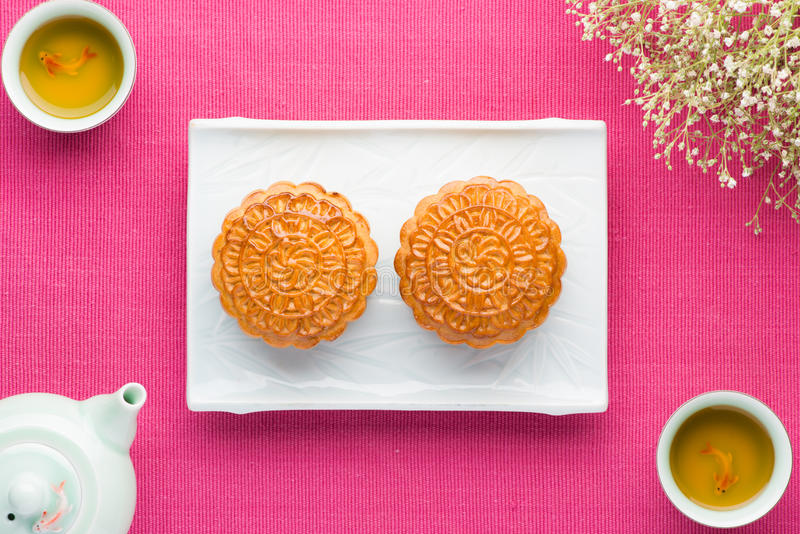 Moon cakes for the Chinese Mid-autumn festival. Mid Autumn Festival to eat moon cakes and tea drinks stock images