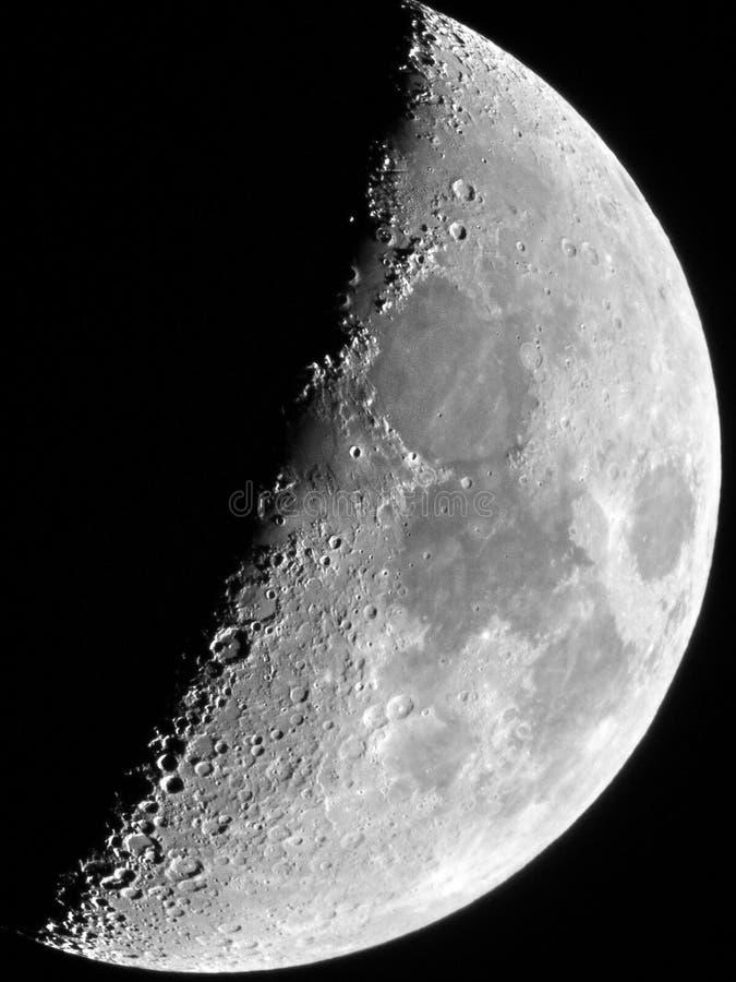 Moon detalhes no oitavo dia X lunar da lua e em ojects lunares de V foto de stock