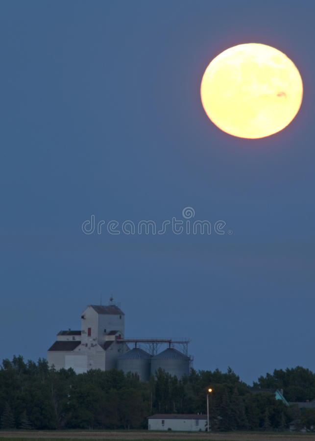 Download Moon Rise Over Prairie Elevator Stock Image - Image of canada, prairie: 23317565