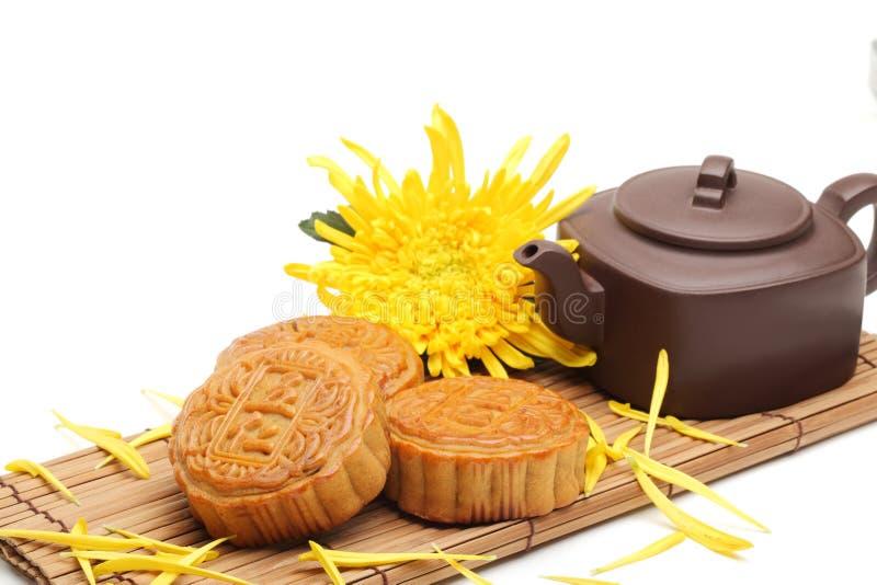 Mooncake και τσάι στοκ φωτογραφία με δικαίωμα ελεύθερης χρήσης