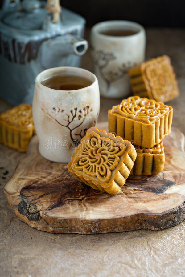 Free Mooncakes For The Mid Autumn Festival Stock Image - 194810101
