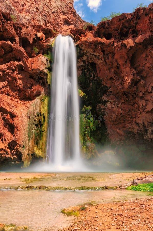 Mooney-Fälle, Grand Canyon, Havasupai-Indianerreservat, Arizona, Vereinigte Staaten stockbild