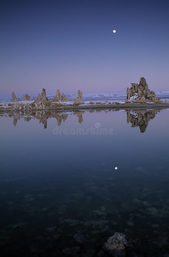 moonrise озера mono стоковые изображения