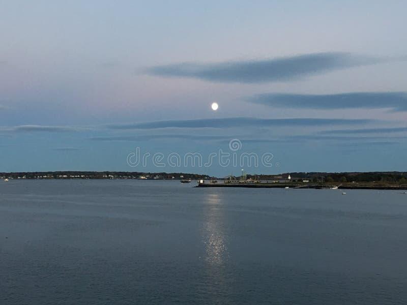 moonrise Cielo luminoso a Portland, Maine immagine stock libera da diritti