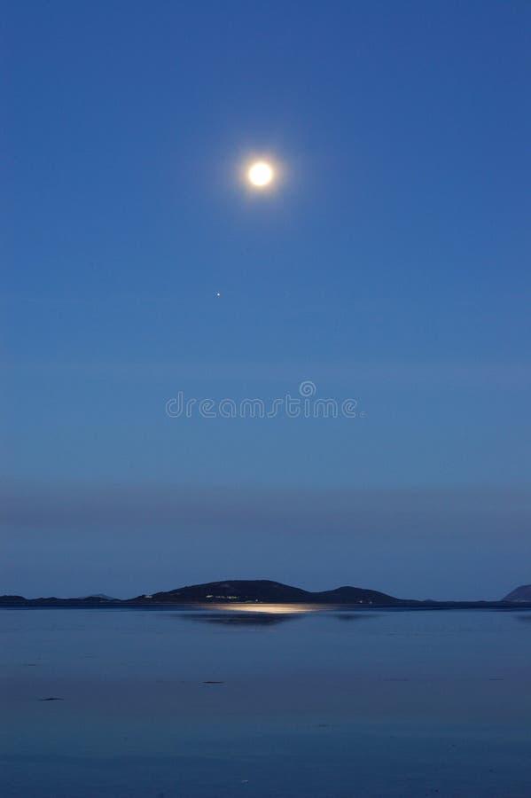 Download Moonrise królestwo zdjęcie stock. Obraz złożonej z woda - 53780050