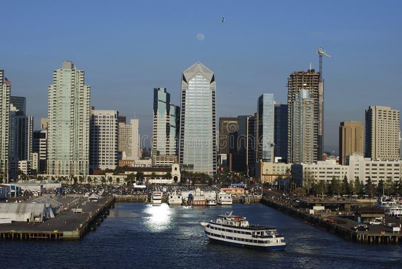 Sorgere della luna sopra San Diego fotografia stock libera da diritti