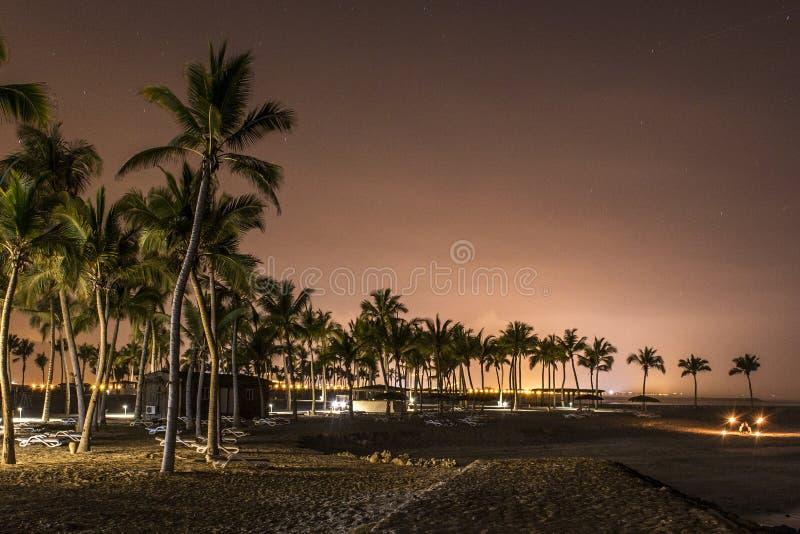Moonscape月亮设置了在souly海湾海滩塞拉莱阿曼3 图库摄影
