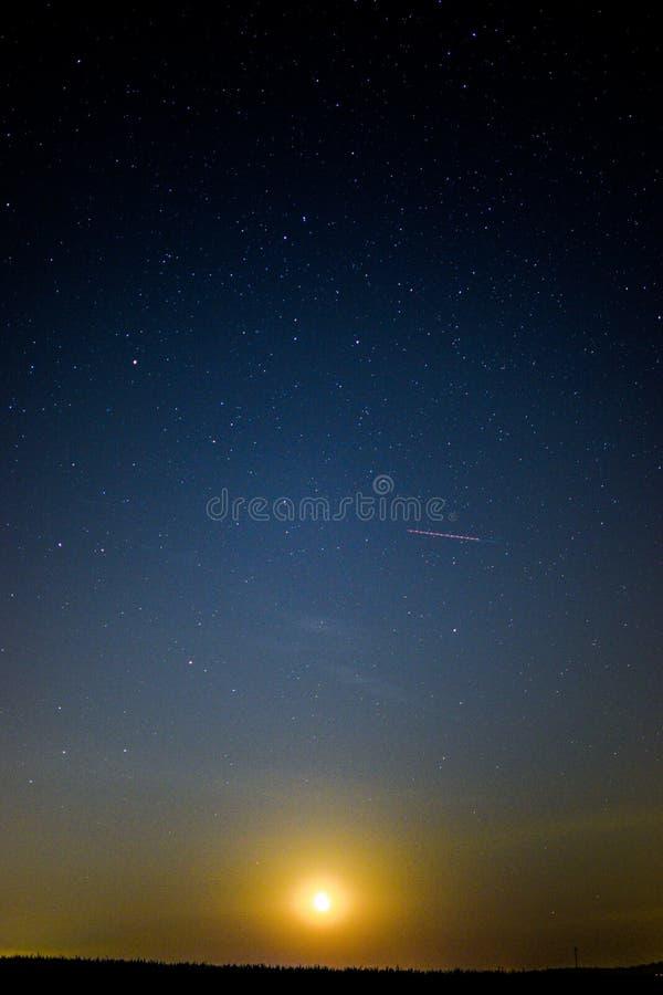 Moonset zdjęcia stock