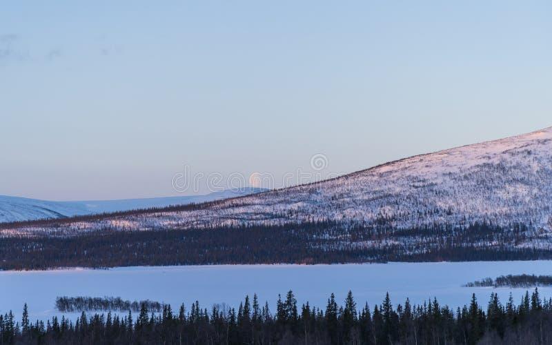 Moonset w Lapland fotografia royalty free