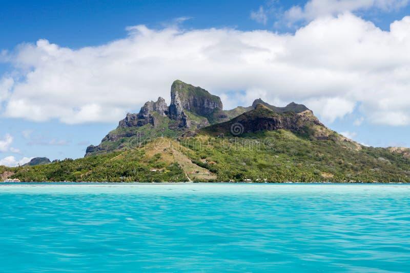 Moorea sikt från Stilla havet royaltyfria bilder