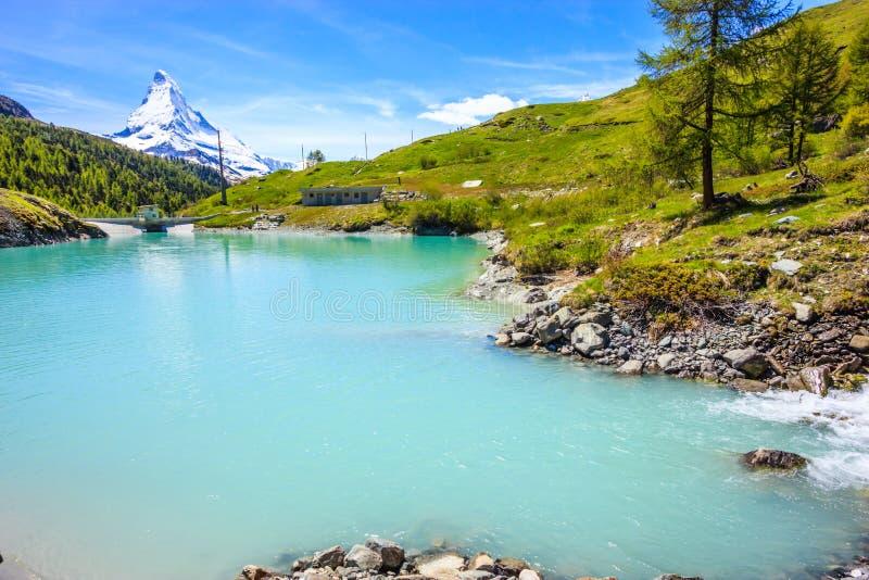 Moosjisee jezioro, jeden wierzchołka pięć jezior miejsce przeznaczenia wokoło Matterhorn szczytu w Zermatt, Szwajcaria, Europa obrazy royalty free
