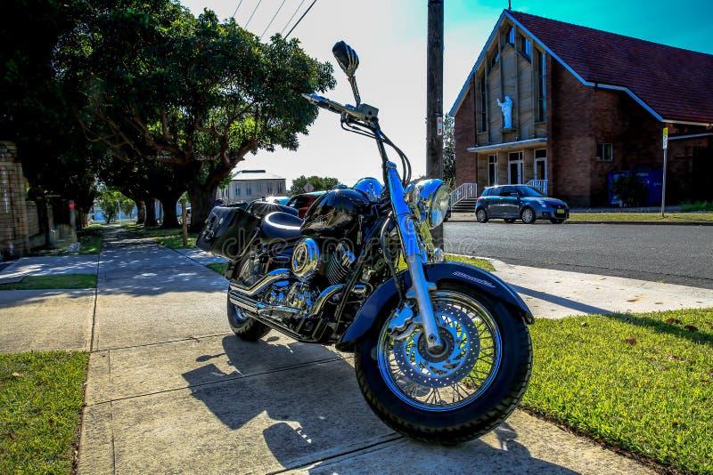 MopedYamaha V-stjärna 650 klassiker arkivfoton