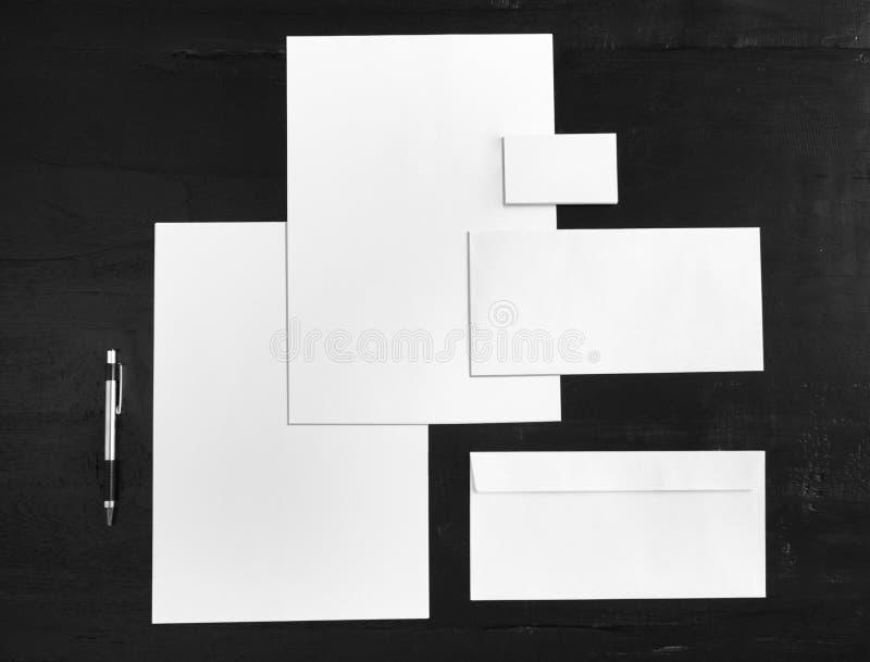 Moquerie blanche de papeterie, calibre pour l'identité de marquage à chaud images stock
