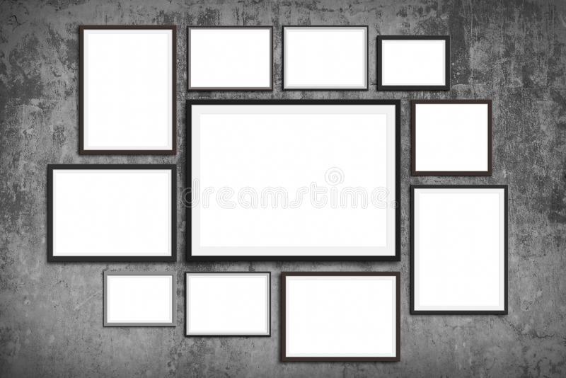 Moquerie de mur de cadre de photo vers le haut - d'ensemble de cadres de tableau sur le fond de mur de cru photo stock