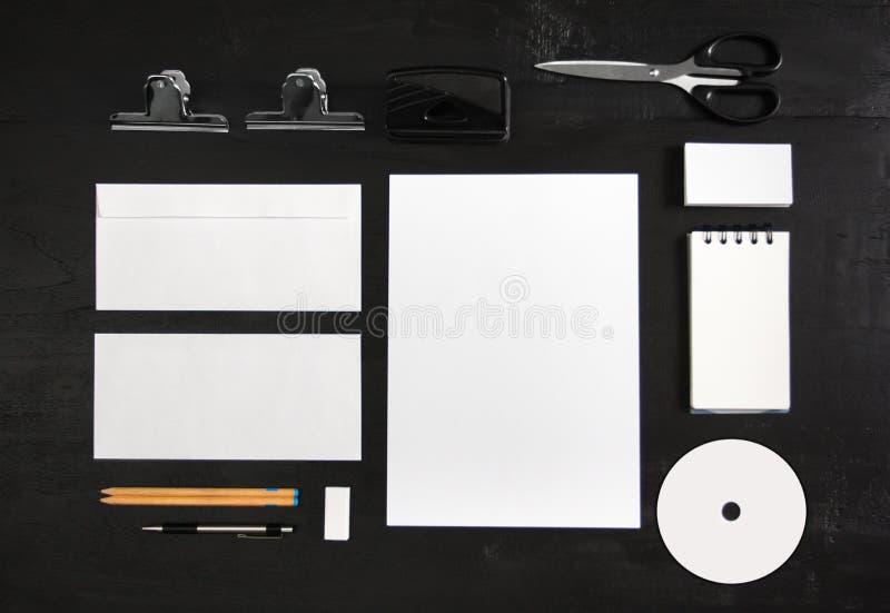 Moquerie stationnaire pour le calibre de conception d'identité photographie stock