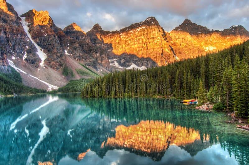 Morän sjö i Kanada arkivbilder