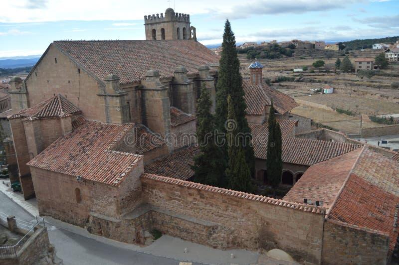 Am 27 Mora de Rubielos Teruel, Aragonien, Spanien Vogelperspektive der Ex-Collegekirche von Sankt MarÃa, XV Jahrhundert stockbild