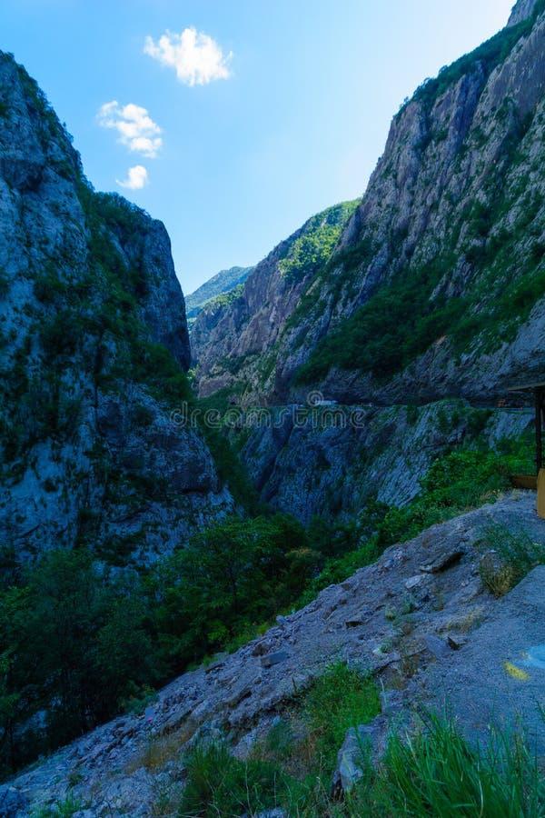 Moraca河和峡谷 免版税库存图片