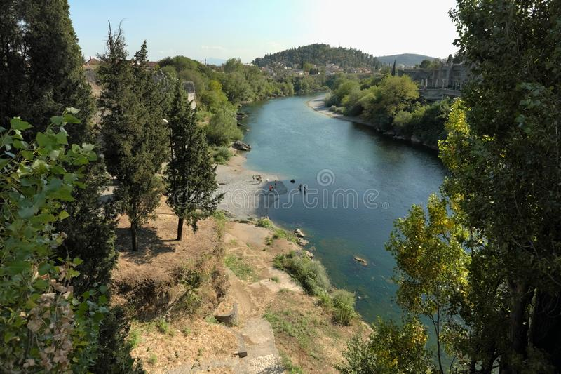 Moracarivier in Podgorica, Montenegro royalty-vrije stock fotografie