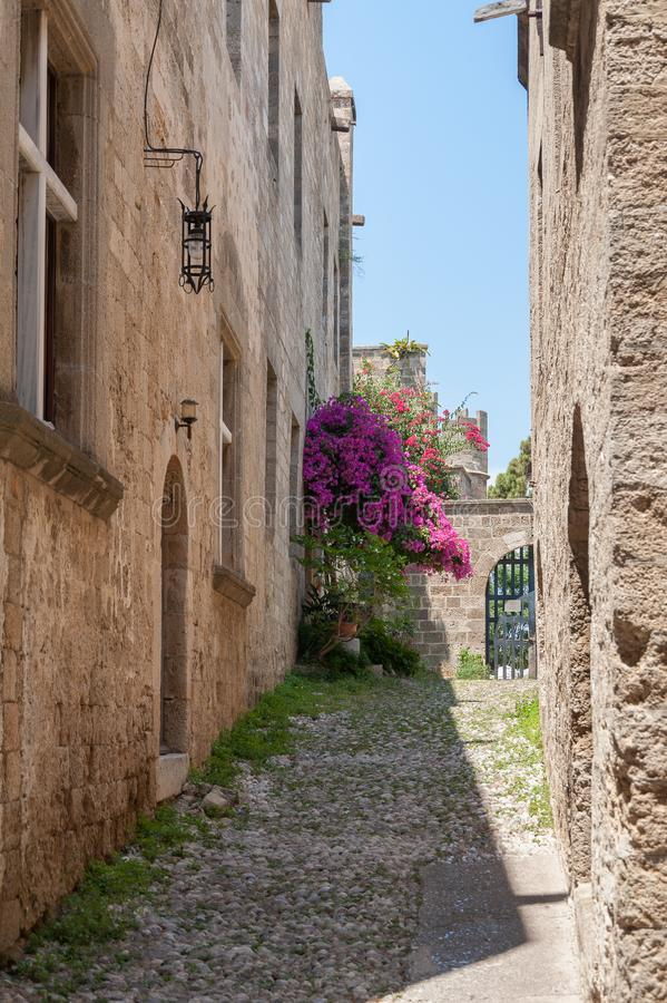 Moradia medieval residencial na parte histórica da baixa Console do Rodes Greece europa fotos de stock